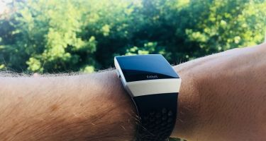 Test af Fitbit Ionic: adidas edition